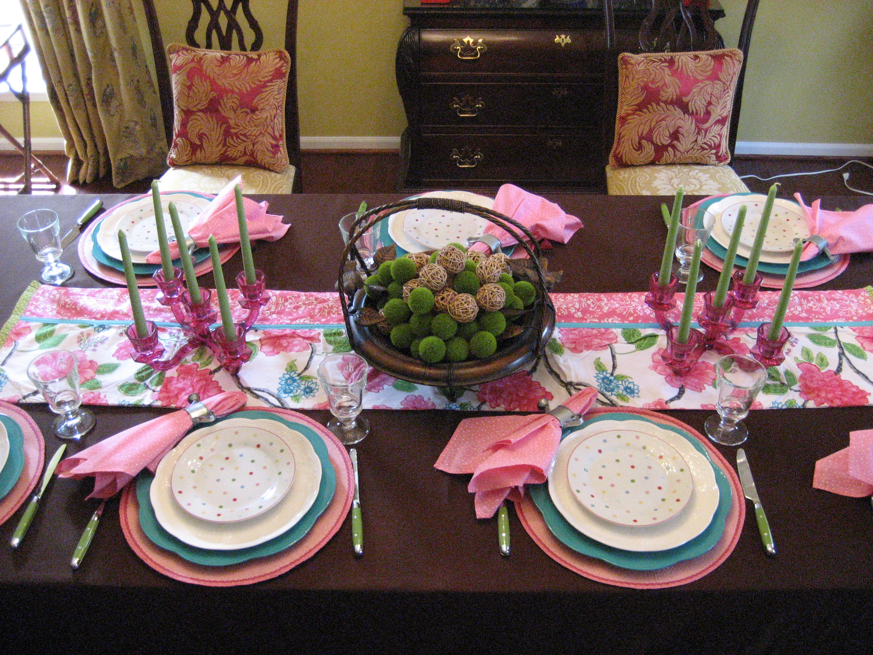 How to Set a Beautiful Spring Table……