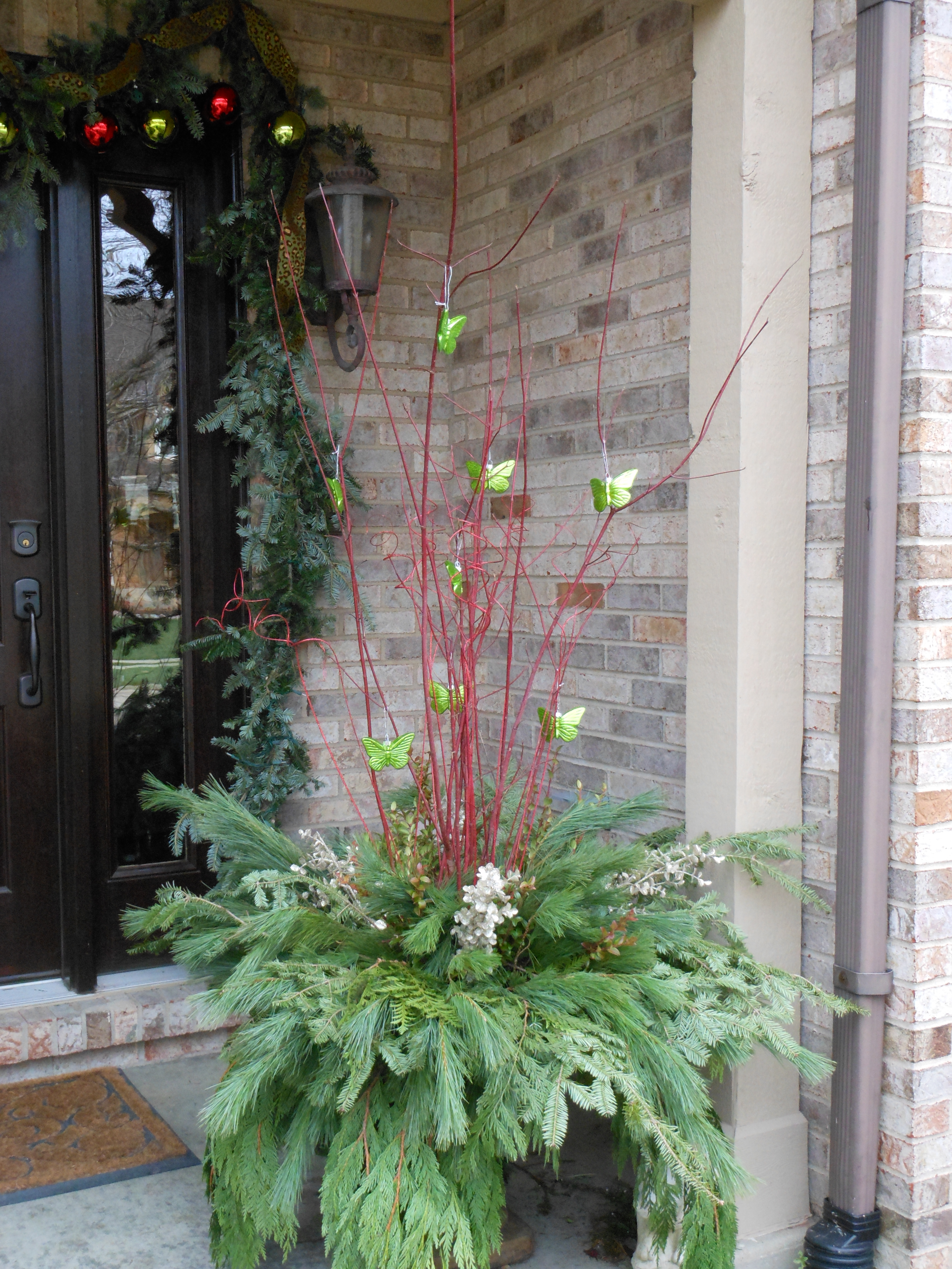 Beautiful Christmas Urns and Outdoor Decor…… | More is ...
